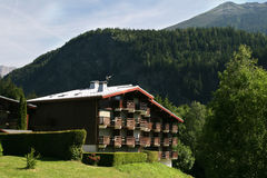 Huis in Alpiene stijl, Frankrijk Stock Afbeelding