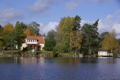 Huis bij het meer, Zweden Royalty-vrije Stock Foto