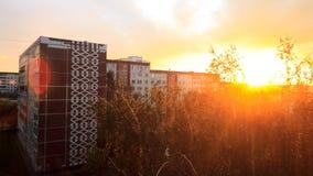 Huis bij zonsondergang Royalty-vrije Stock Afbeeldingen
