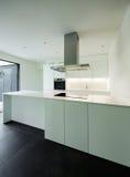 Huis, binnenlandse keuken stock fotografie