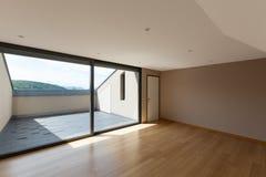 Huis, brede ruimte met venster Royalty-vrije Stock Foto's