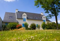 Huis in Bretagne stock afbeeldingen