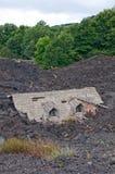 Huis dat door Lava wordt vernietigd Stock Fotografie