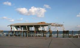 Huis dat door orkaan wordt beschadigd Stock Foto's