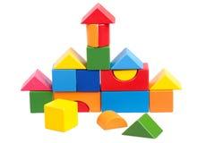 Huis dat van blokken wordt geconstrueerd stock afbeelding