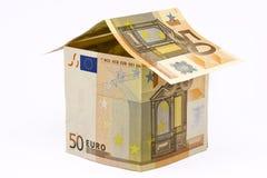 Huis dat van euro geld wordt gemaakt Stock Foto