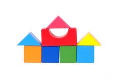 Huis dat van houten blokken wordt geconstrueerd Royalty-vrije Stock Foto