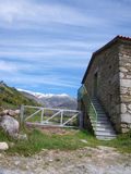 Huis in de Bergen Stock Fotografie