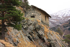 Huis in de bergen Stock Afbeeldingen