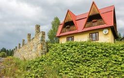 Huis in de Karpaten Stock Fotografie