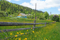 Huis in de Karpaten Stock Foto's