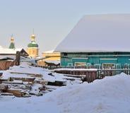 Huis in de Russische provincie stock afbeelding