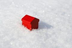 Huis in de sneeuw Stock Fotografie