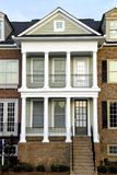 Huis in de stad Stock Foto's