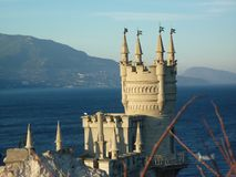 Huis in de stijl van een kasteel slik het nest de Krim van ` s stock foto