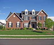 Huis In de voorsteden 3 van Upscale royalty-vrije stock afbeeldingen