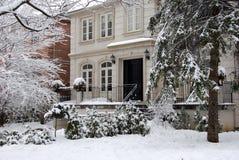 Huis in de winter Stock Afbeelding