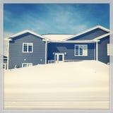 Huis in de Winter Stock Afbeeldingen