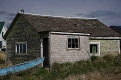 Huis en boot in Egegik, Alaska royalty-vrije stock foto