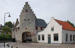 Huis en historische poort Royalty-vrije Stock Fotografie