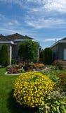Huis en tuinen stock afbeeldingen