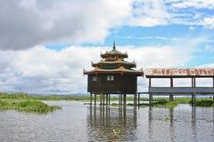Huis in Inle Meer, Myanmar stock foto