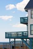 Huis met balkon Stock Foto's
