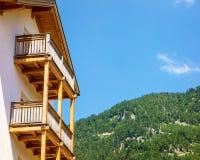 Huis met balkon royalty-vrije stock afbeeldingen