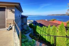 Huis met beaufitulmening over Puget Sound, Tacoma, WA Royalty-vrije Stock Afbeelding