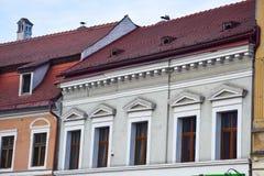 Huis met betegeld dak Stock Foto