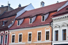 Huis met betegeld dak Stock Afbeelding