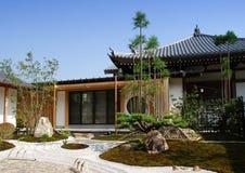 Huis met een tuin Stock Fotografie