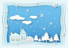 Huis met Kerstboom, sneeuw, sneeuwvlok en wolk op blauwe hemel Royalty-vrije Stock Afbeeldingen