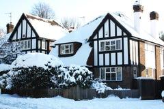 Huis met sneeuw Stock Fotografie