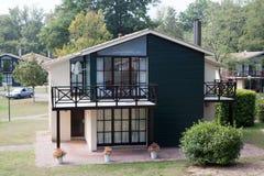 Huis met tuin stock afbeelding