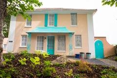 Huis met valse vensters royalty-vrije stock foto