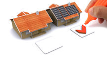 Huis met zonne-energie om geld te maken Stock Afbeeldingen