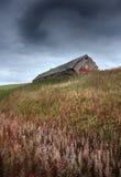 Huis op bergen stock afbeeldingen