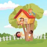 Huis op boom Leuke kinderen die in tuinaard spelen die vectorjonge geitjesachtergrond beklimmen vector illustratie