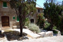 Huis op Calvary-stappen stock afbeeldingen