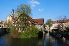 Huis op de rivier van Neckar in Stuttgart-Esslingen Stock Foto