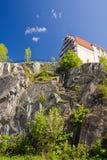 Huis op de rotsen Stock Afbeelding