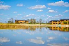 Huis op het meer Royalty-vrije Stock Foto's