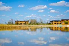 Huis op het meer Stock Afbeelding
