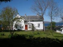 Huis in Sandnessjoen royalty-vrije stock afbeelding