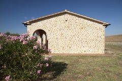 Huis in Toscanië Stock Afbeeldingen