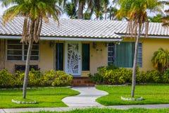 Huis van de de architectuur 1950 ` s het enige familie van Florida Stock Foto