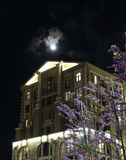 Huis van de nacht royalty-vrije stock afbeelding
