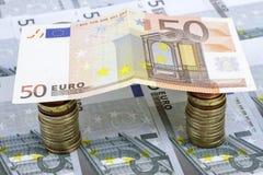 Huis van euro geld wordt gemaakt dat Stock Foto's