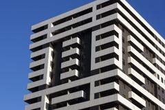 Huis van het flatgebouwen het Moderne blok stock afbeeldingen